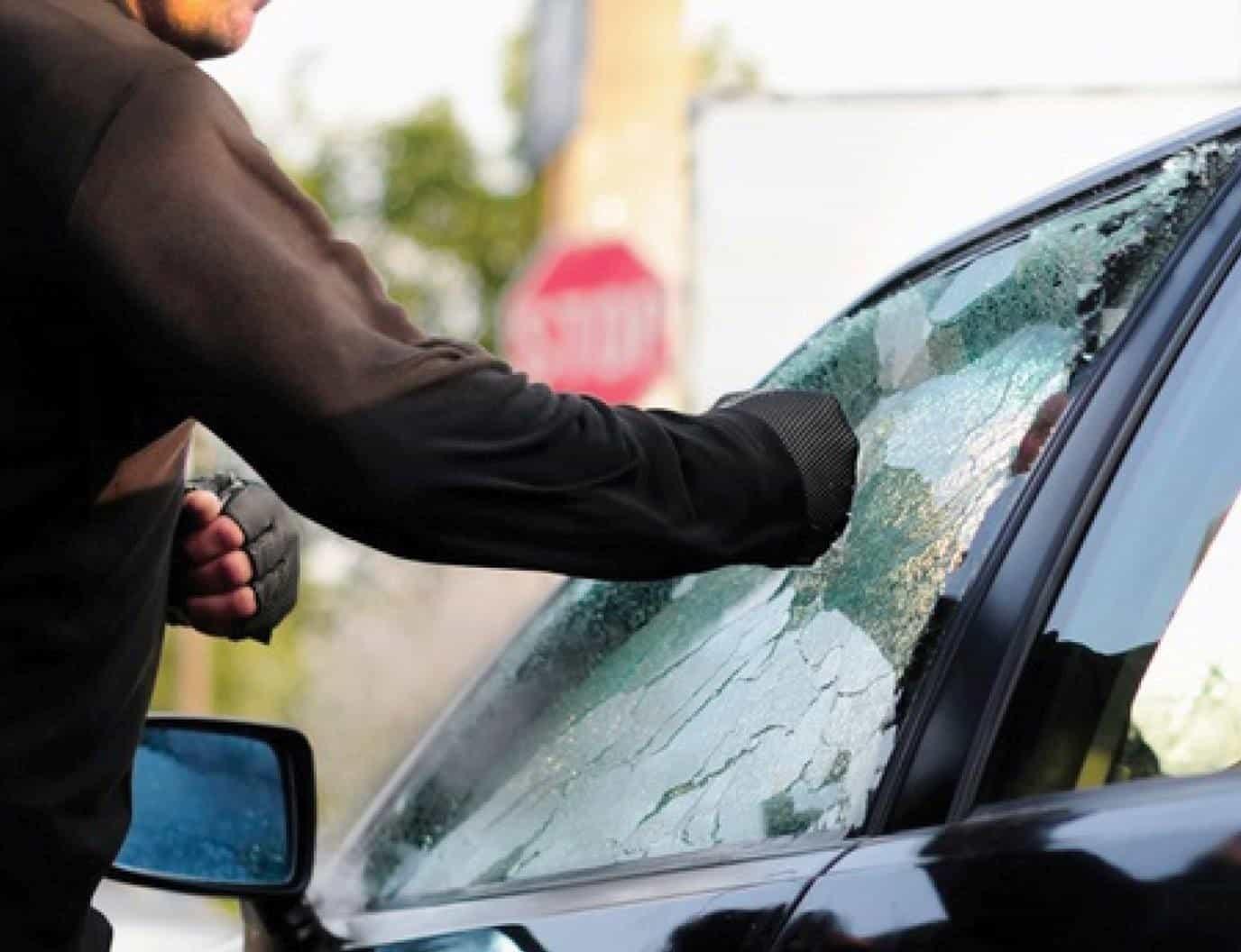 pellicola sicurezza auto